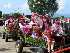WHAT TO DO WHEN IN SOFIA The-Festival-of-the-Bulgarian-Rose