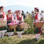 Festival-of-roses-in-Kazaluk