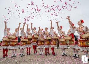 Festival-of-roses-in-Kazanluk